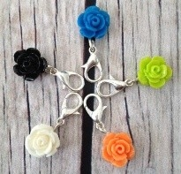 Bead dangles rose