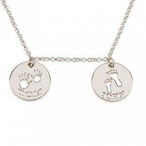 Naamketting sterling zilver 925 2 cirkels met 2 namen handjes en voetjes