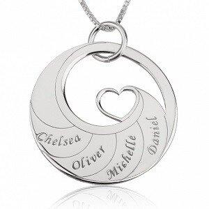 4 namen - Naamketting cirkel met 4 namen gegraveerd en hart sterling zilver 925