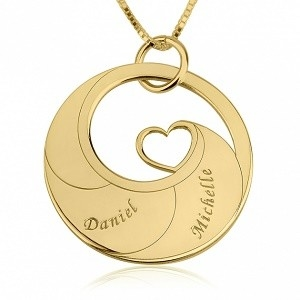 2 namen - Naamketting cirkel met 2 namen gegraveerd en hart 24K verguld goud