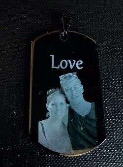 Fotosieraad RVS zwart 50mm tag met foto en tekst