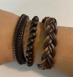 3 bruine handgemaakte leren armbanden
