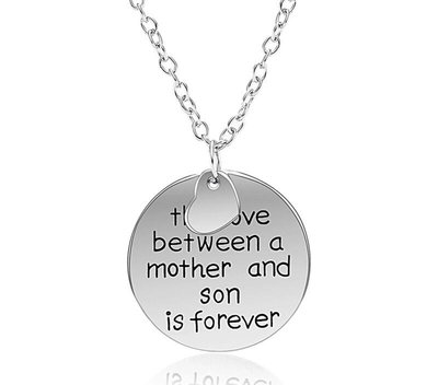 Bedelketting met tekst Love between Mother and Son